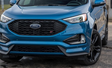2019 Ford Edge ST Front Bumper Wallpaper 450x275 (21)