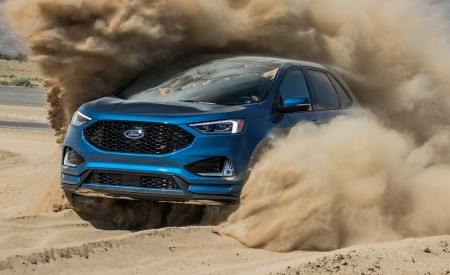 2019 Ford Edge ST Front Three-Quarter Wallpaper 450x275 (13)