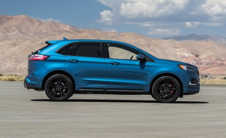 2019 Ford Edge ST Side Wallpaper 450x275 (11)