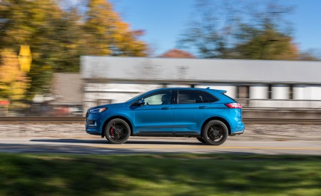 2019 Ford Edge ST Side Wallpaper 450x275 (8)