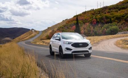2019 Ford Edge Titanium Front Wallpaper 450x275 (57)
