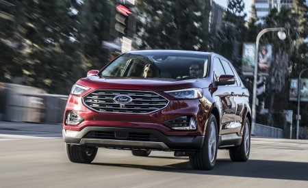 2019 Ford Edge Titanium Front Wallpaper 450x275 (46)