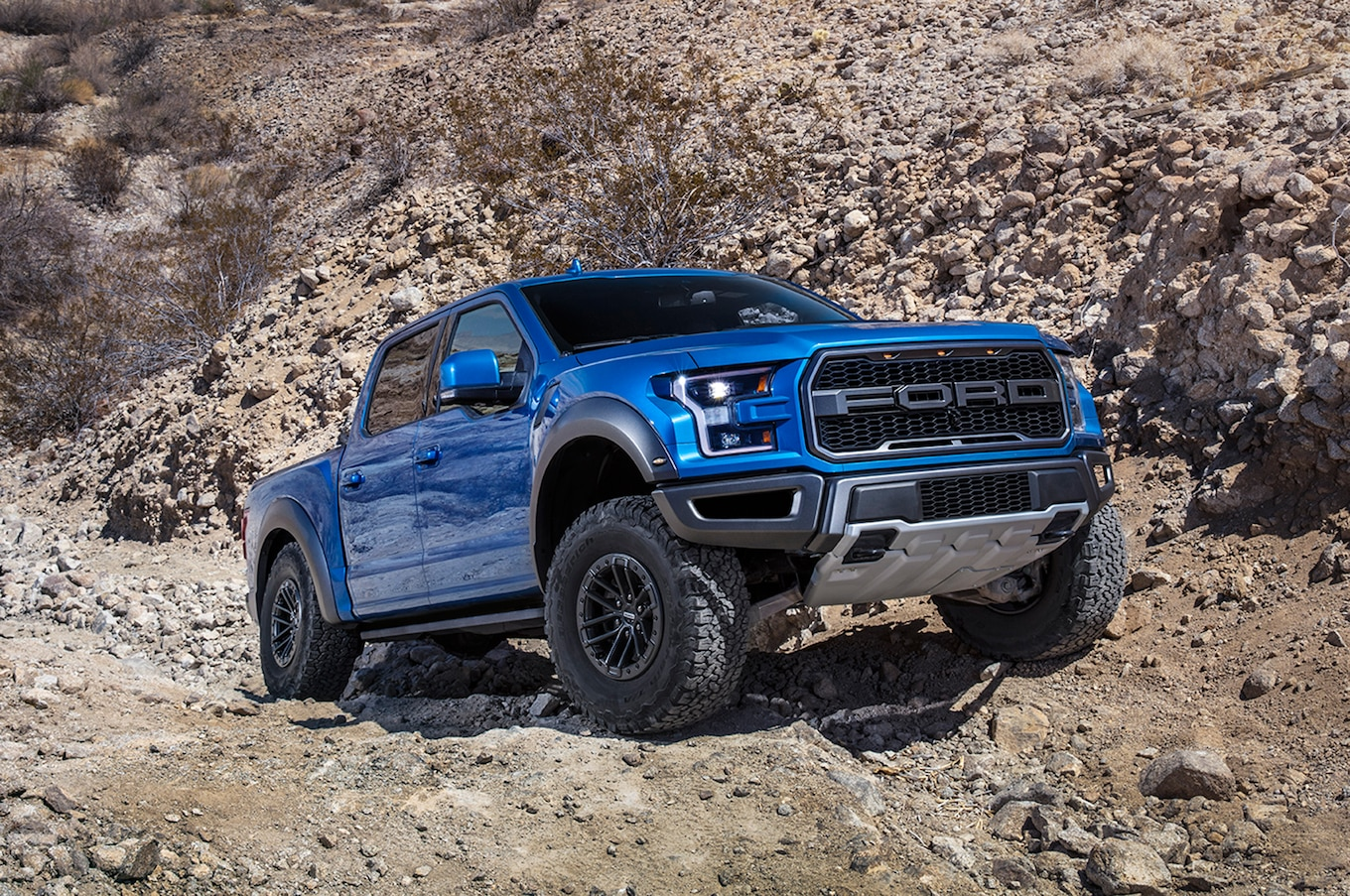 2019 Ford F‑150 Raptor Front Three-Quarter Wallpapers (13)