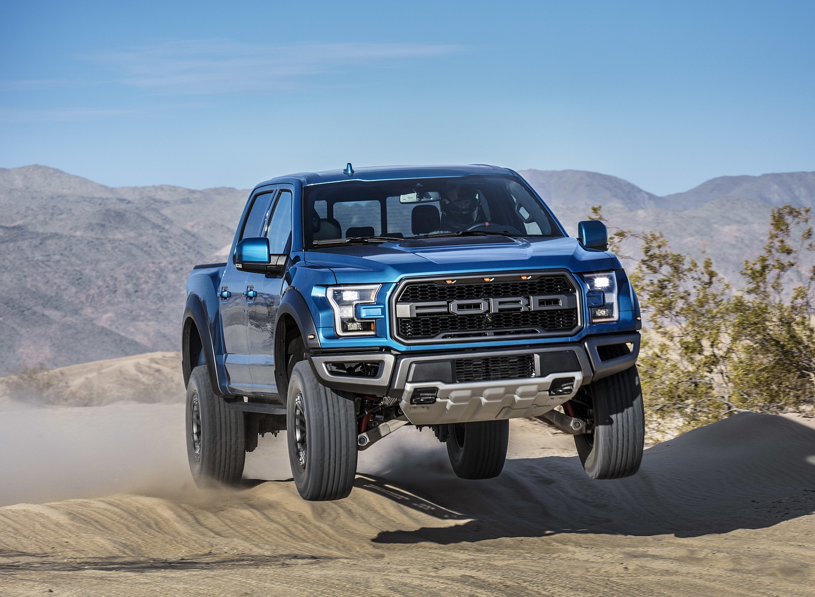 2019 Ford F-150 Raptor Off-Road Wallpapers (8)