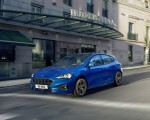 2019 Ford Focus Hatchback ST-Line Front Three-Quarter Wallpapers 150x120 (2)