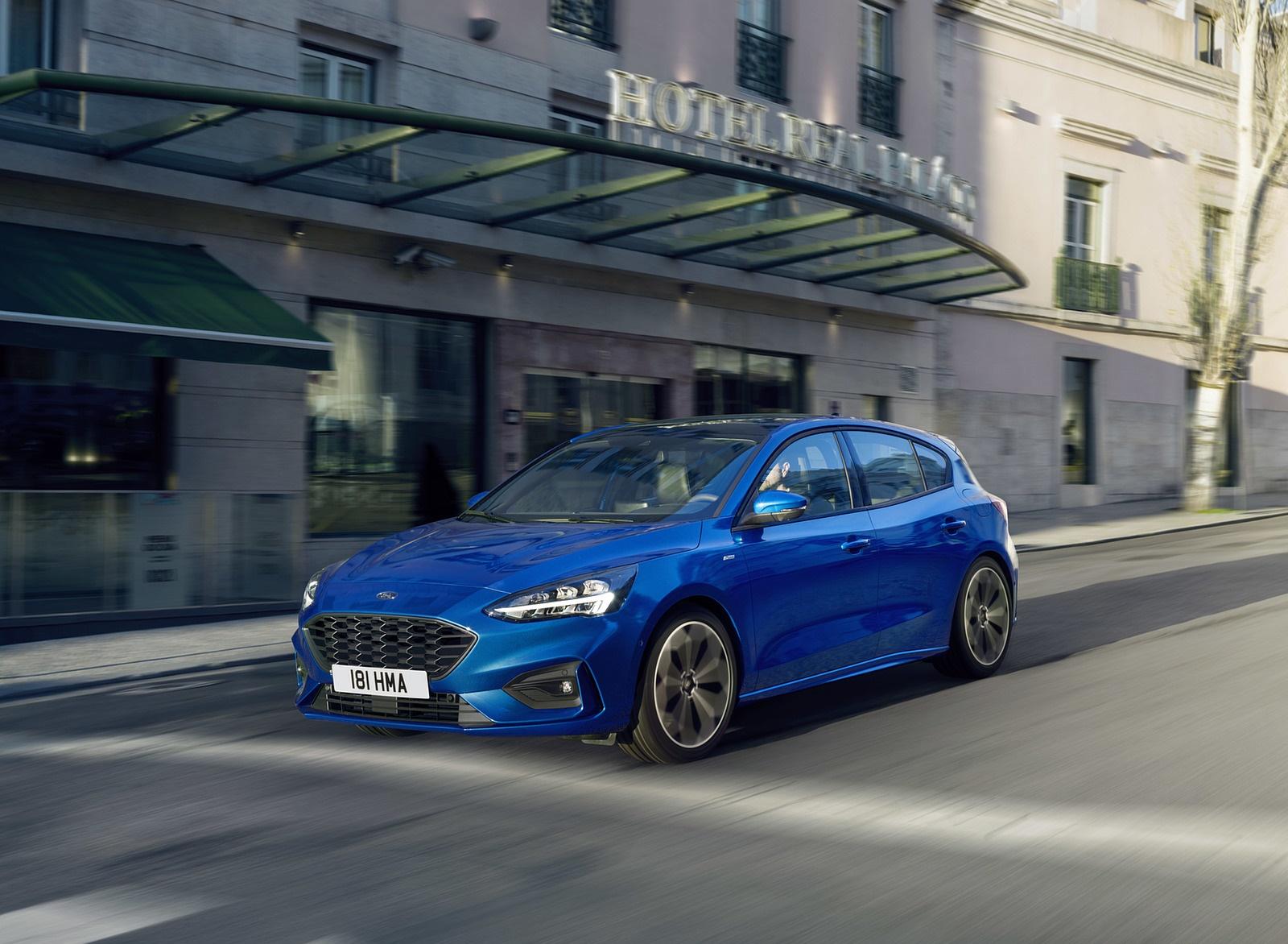 2019 Ford Focus Hatchback ST-Line Front Three-Quarter Wallpapers (2)