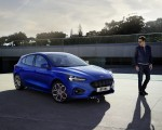 2019 Ford Focus Hatchback ST-Line Front Three-Quarter Wallpapers 150x120 (12)