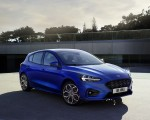 2019 Ford Focus Hatchback ST-Line Front Three-Quarter Wallpapers 150x120 (13)