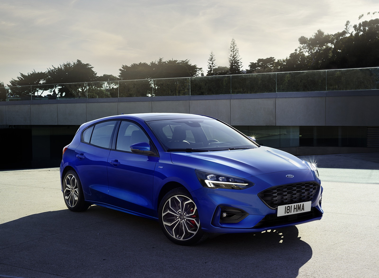 2019 Ford Focus Hatchback ST-Line Front Three-Quarter Wallpapers (13)