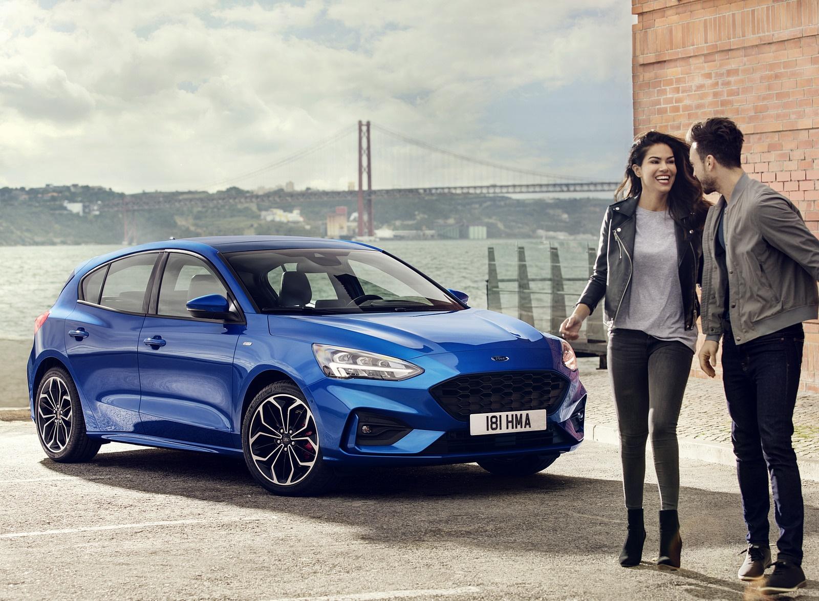 2019 Ford Focus Hatchback ST-Line Front Three-Quarter Wallpapers (7)