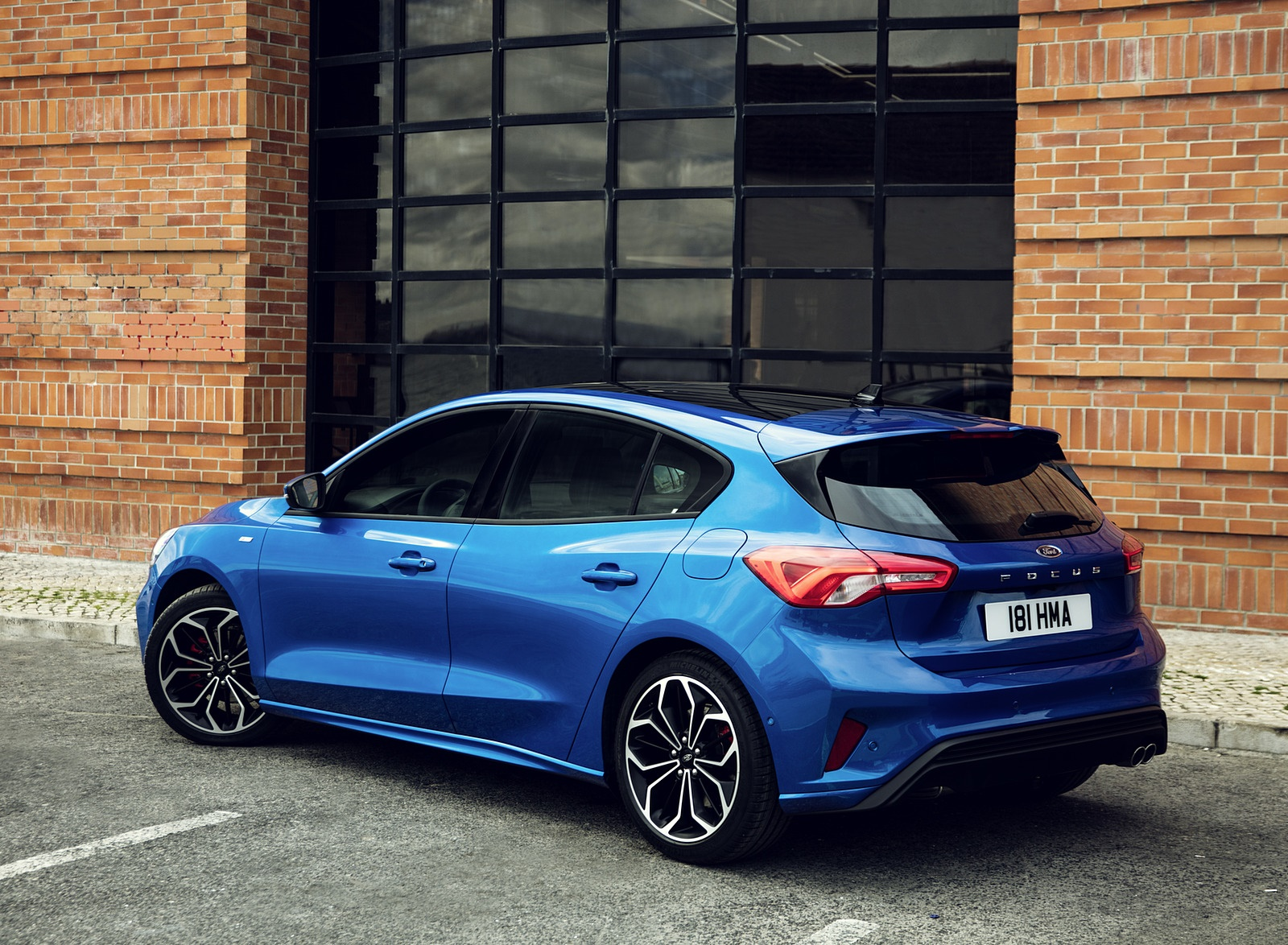 2019 Ford Focus Hatchback ST-Line Rear Three-Quarter Wallpapers (8)