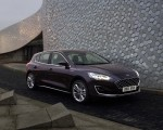 2019 Ford Focus Hatchback Vignale Front Three-Quarter Wallpaper 150x120 (39)