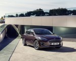 2019 Ford Focus Hatchback Vignale Front Three-Quarter Wallpaper 150x120 (40)