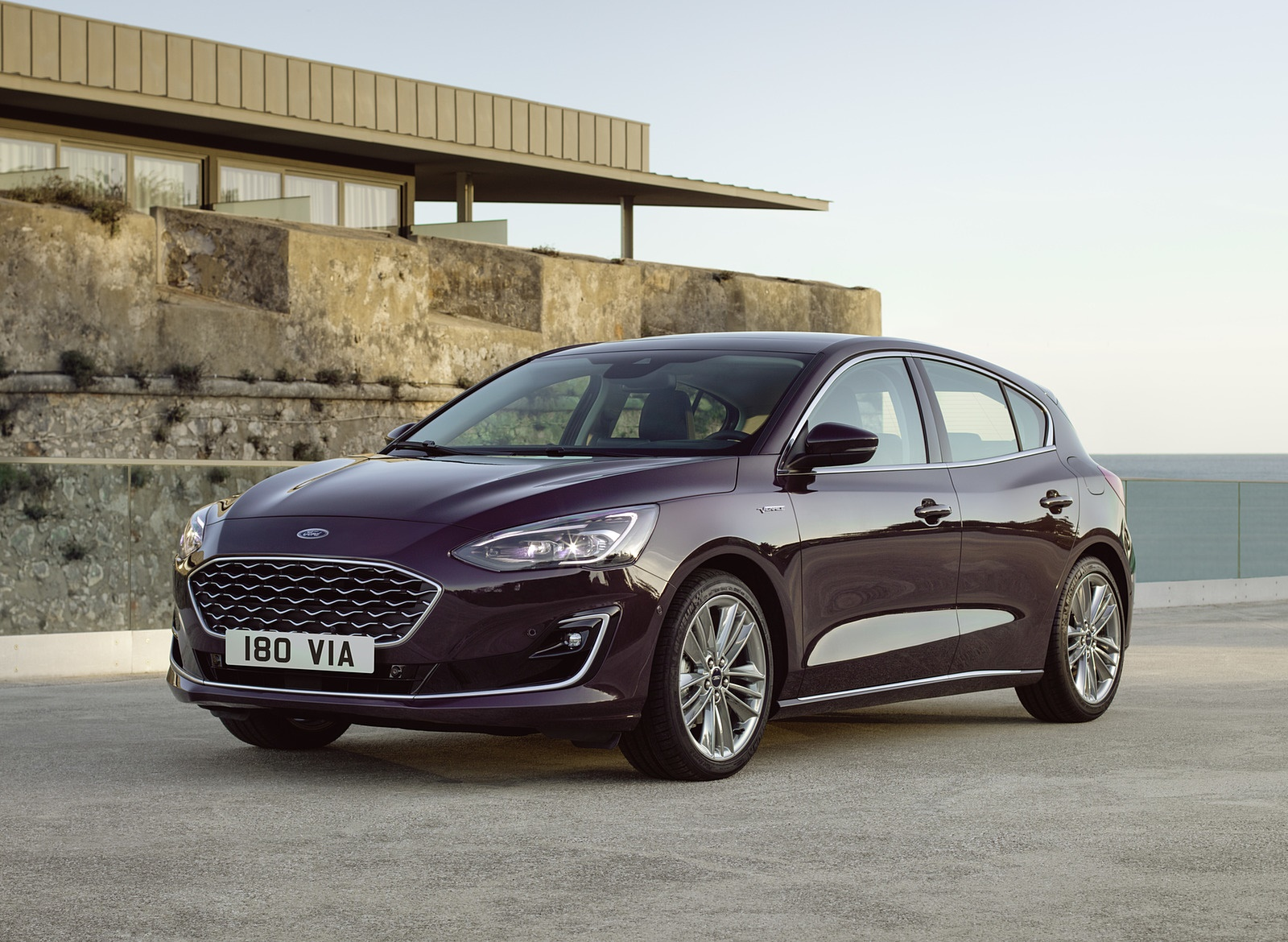 2019 Ford Focus Hatchback Vignale Front Three Quarter Wallpapers 35