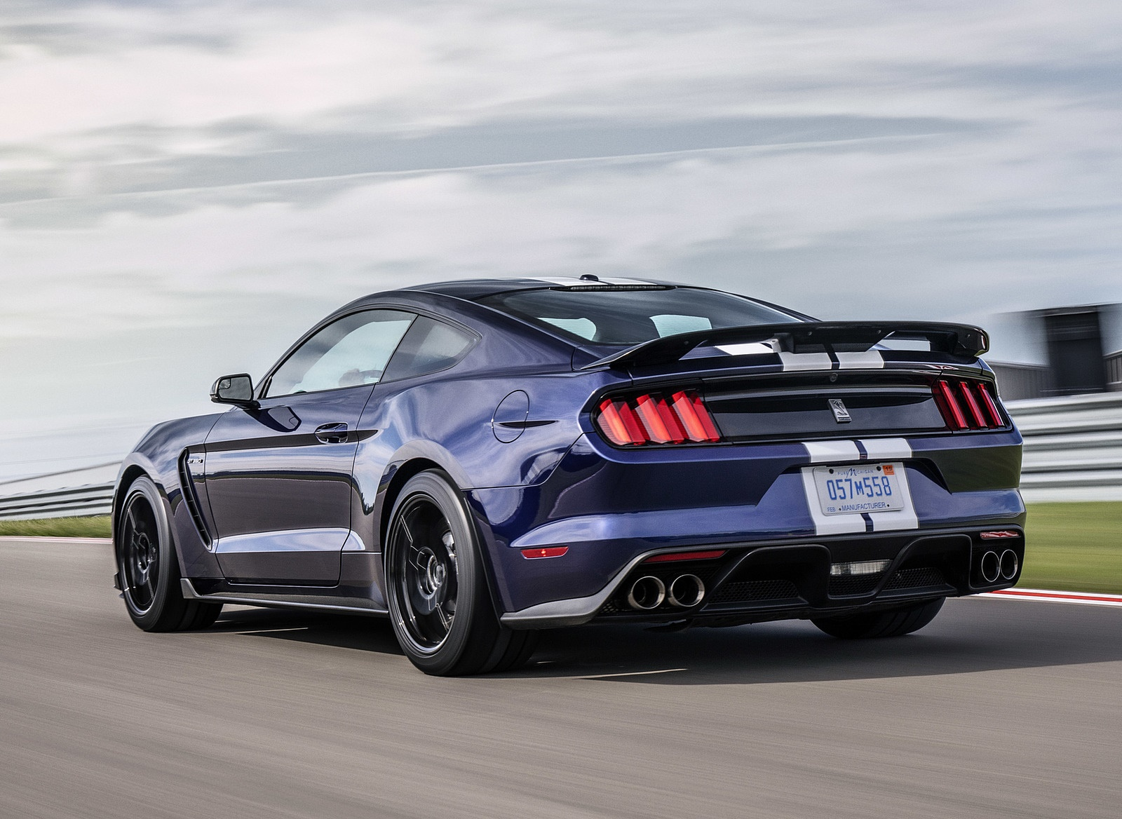 2019 Ford Mustang Shelby GT350 Rear Three-Quarter Wallpapers (7)