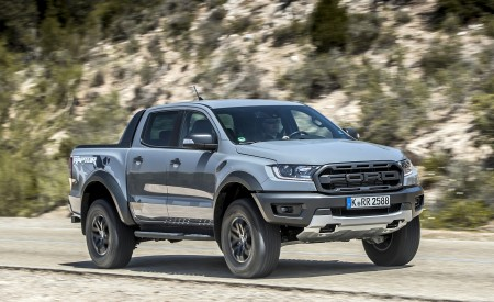 2019 Ford Ranger Raptor (Color: Conquer Grey) Front Three-Quarter Wallpapers 450x275 (11)