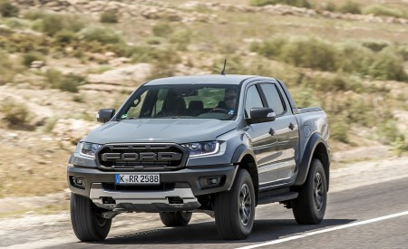 2019 Ford Ranger Raptor (Color: Conquer Grey) Front Three-Quarter Wallpapers 450x275 (2)
