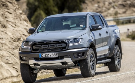 2019 Ford Ranger Raptor (Color: Conquer Grey) Front Three-Quarter Wallpapers 450x275 (13)