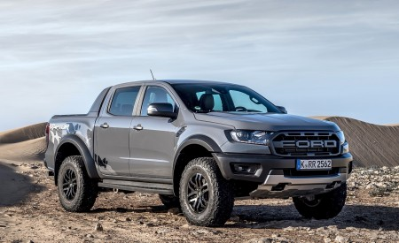 2019 Ford Ranger Raptor (Color: Conquer Grey) Front Three-Quarter Wallpapers 450x275 (48)