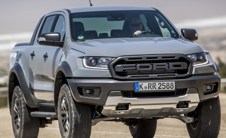 2019 Ford Ranger Raptor (Color: Conquer Grey) Front Three-Quarter Wallpapers 450x275 (15)