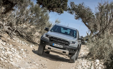 2019 Ford Ranger Raptor (Color: Conquer Grey) Off-Road Wallpapers 450x275 (37)