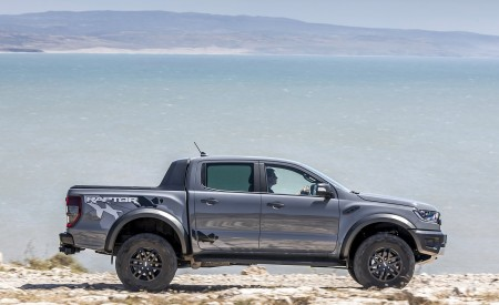2019 Ford Ranger Raptor (Color: Conquer Grey) Off-Road Wallpapers 450x275 (24)