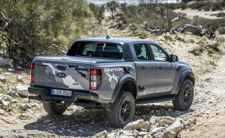 2019 Ford Ranger Raptor (Color: Conquer Grey) Off-Road Wallpapers 450x275 (33)