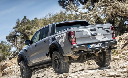 2019 Ford Ranger Raptor (Color: Conquer Grey) Off-Road Wallpapers 450x275 (32)