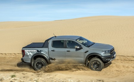 2019 Ford Ranger Raptor (Color: Conquer Grey) Off-Road Wallpapers 450x275 (43)