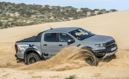 2019 Ford Ranger Raptor (Color: Conquer Grey) Off-Road Wallpapers 450x275 (42)