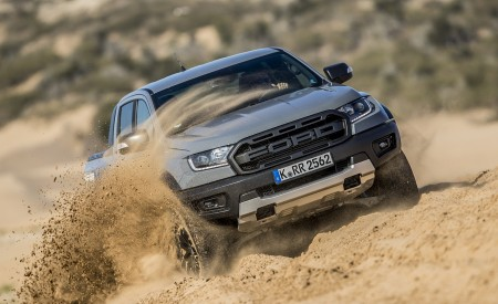 2019 Ford Ranger Raptor (Color: Conquer Grey) Off-Road Wallpapers 450x275 (40)