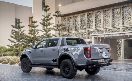 2019 Ford Ranger Raptor (Color: Conquer Grey) Rear Three-Quarter Wallpapers 450x275 (49)