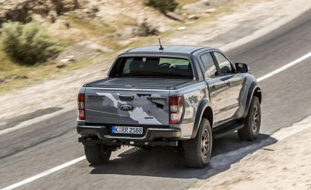 2019 Ford Ranger Raptor (Color: Conquer Grey) Rear Three-Quarter Wallpapers 450x275 (19)