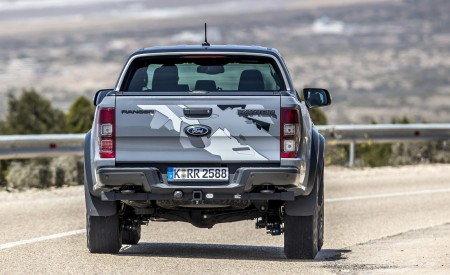 2019 Ford Ranger Raptor (Color: Conquer Grey) Rear Wallpapers 450x275 (20)