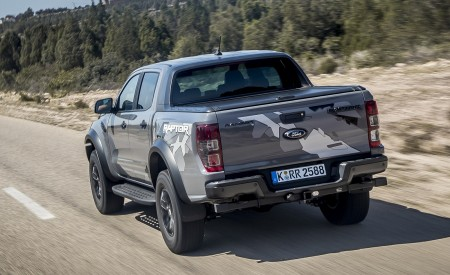 2019 Ford Ranger Raptor (Color: Conquer Grey) Rear Wallpapers 450x275 (9)