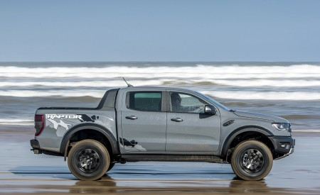 2019 Ford Ranger Raptor (Color: Conquer Grey) Side Wallpapers 450x275 (51)