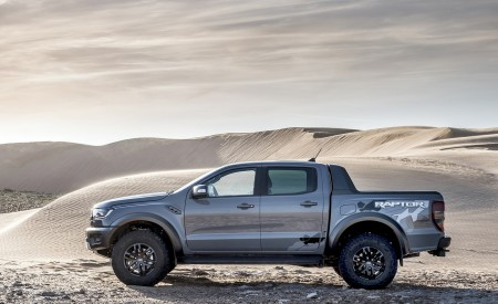 2019 Ford Ranger Raptor (Color: Conquer Grey) Side Wallpapers 450x275 (52)