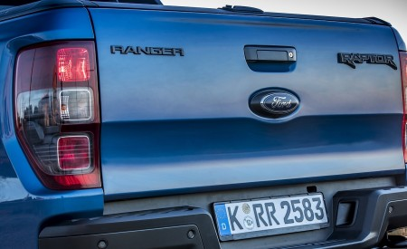 2019 Ford Ranger Raptor (Color: Performance Blue) Detail Wallpapers 450x275 (150)