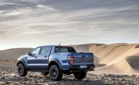 2019 Ford Ranger Raptor (Color: Performance Blue) Rear Three-Quarter Wallpapers 450x275 (137)