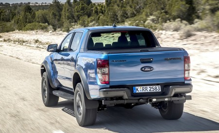 2019 Ford Ranger Raptor (Color: Performance Blue) Rear Wallpapers 450x275 (92)