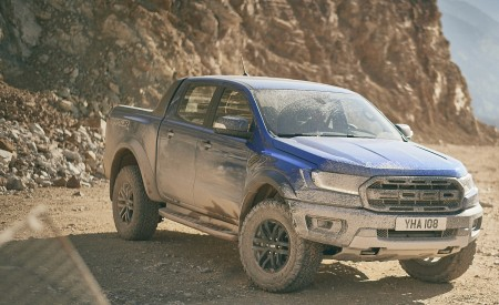 2019 Ford Ranger Raptor Front Three-Quarter Wallpapers 450x275 (173)