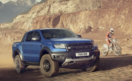 2019 Ford Ranger Raptor Front Three-Quarter Wallpapers 450x275 (176)