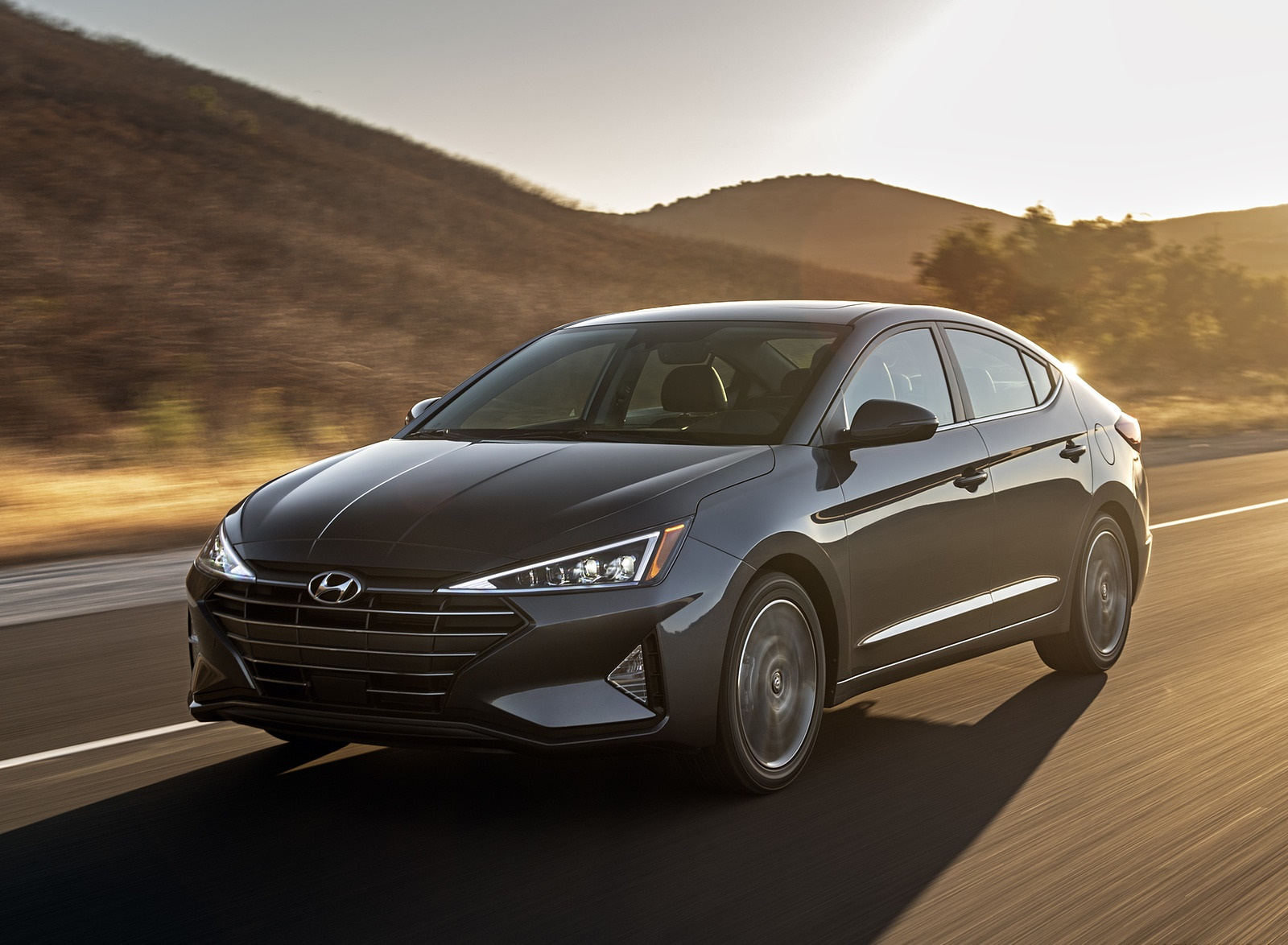 2019 Hyundai Elantra Front Three-Quarter Wallpapers (1)