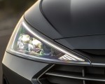 2019 Hyundai Elantra Headlight Wallpapers 150x120 (13)