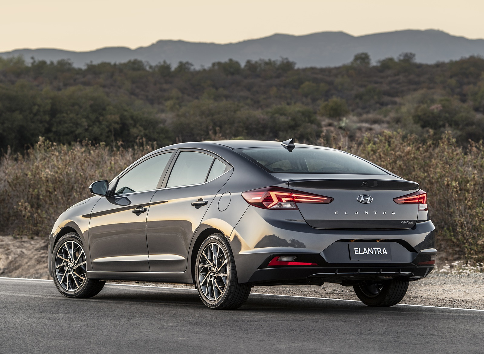 2019 Hyundai Elantra Rear Three-Quarter Wallpapers (7)