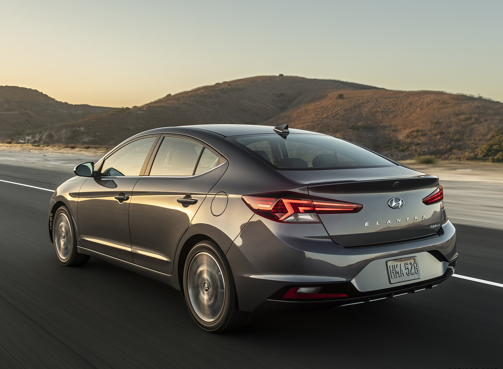 2019 Hyundai Elantra Rear Three-Quarter Wallpapers (3)