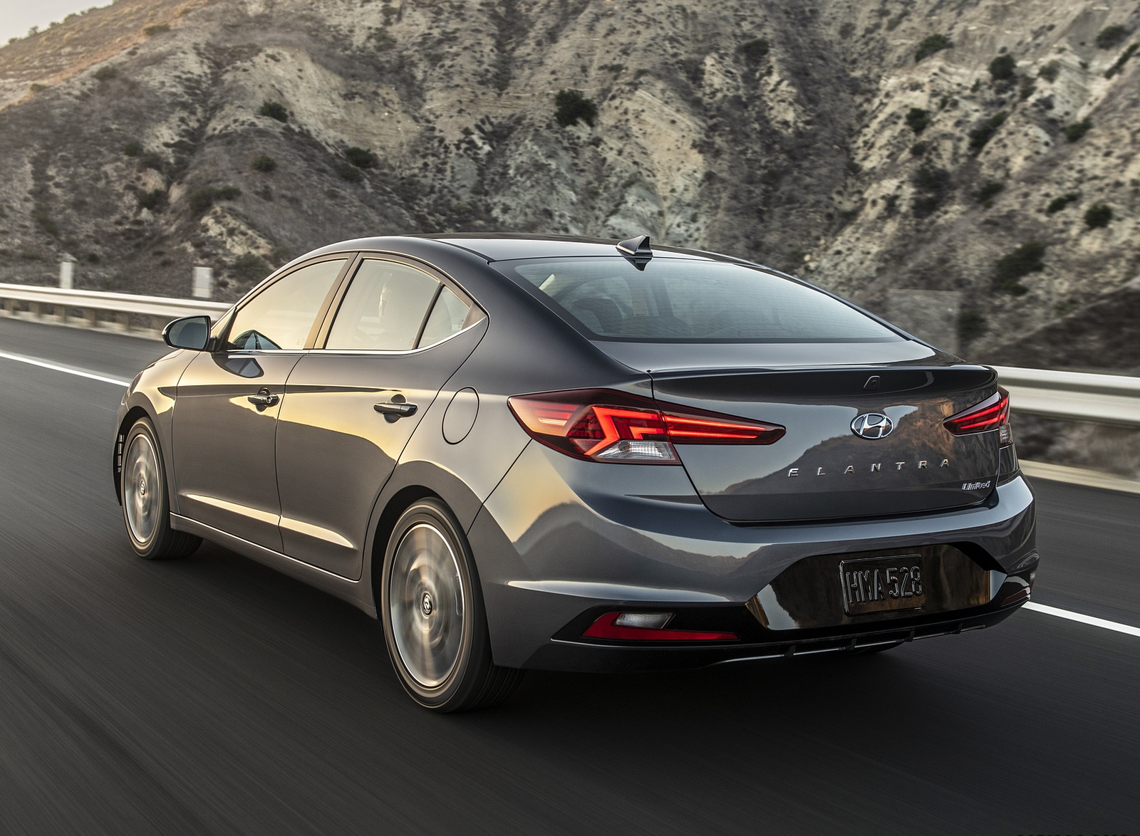 2019 Hyundai Elantra Rear Three-Quarter Wallpapers (4)