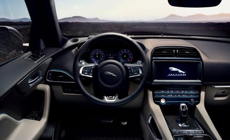 2019 Jaguar F-PACE SVR Interior Wallpapers 450x275 (94)
