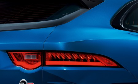 2019 Jaguar F-PACE SVR Tail Light Wallpapers 450x275 (92)