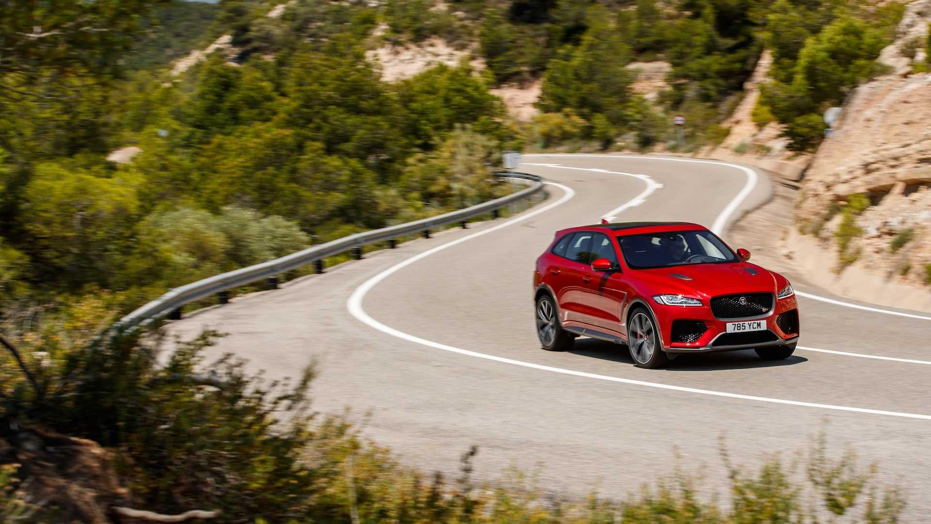 2019 Jaguar F-Pace SVR (Color: Firenze Red) Front Three-Quarter Wallpaper (14)